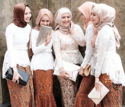 Baju Batik Pesta Wanita