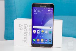 Mengusung 4 Kamera Belakang Pertama Di Dunia, Intip Spesifikasinya Samsung Galaxy A9!