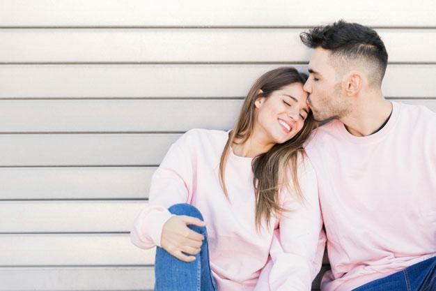 Menariknya Bisnis Couple Clothes degan Desain Kekinian