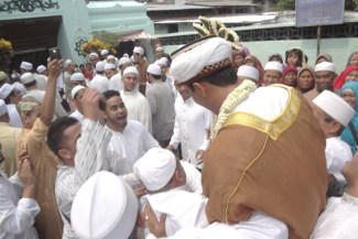 AhmadPernikahanKampungArabSurabaya11