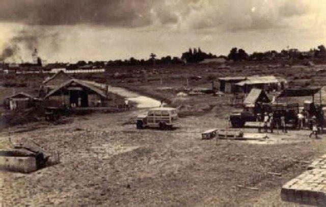 Proses pembangunan gedung Lembaga Pusat Penyelidikan dan Pemberantasan Penyakit Kelamin 1951. Sumber foto: P3SKK, 2008