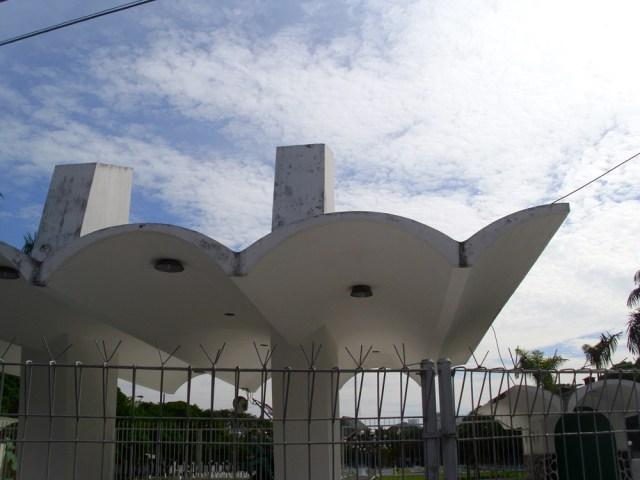 Gerbang Taman Makam Pahlawan di kawasan Kusuma Bangsa
