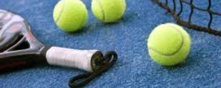 images-padel-raqueta-pelotas.jpg - 9.23 KB