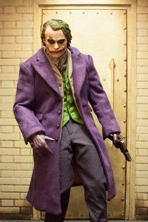 The Dark Knight Hot Toys DX-11 The Joker 2.0 16 Scale Collectible Movie Figure (2)