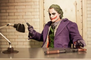 The Dark Knight Hot Toys DX-11 The Joker 2.0 16 Scale Collectible Movie Figure (8)