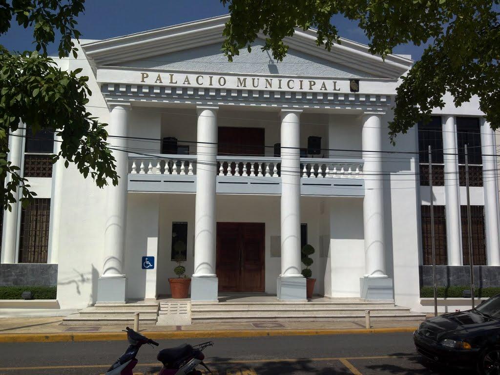 Resultado de imagen para palacio municipal de moca