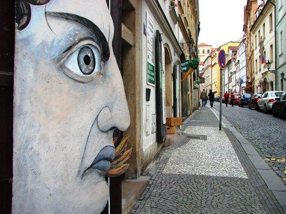 Kota dengan Seni Jalanan Terbaik di Dunia - Seni-Jalanan-Lukisan-Mural-di-Kota-Praga-Republik-Ceko-1
