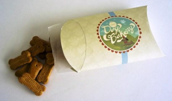 Contoh Desain Kemasan Roti Kue dan Biskuit - Kemasan-Roti-Biskuit-dan-Kue-Three-Dog-Bakery-Branding