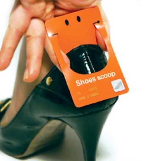Contoh Desain Kartu Nama yang Unik - shoes-scoop-business-card