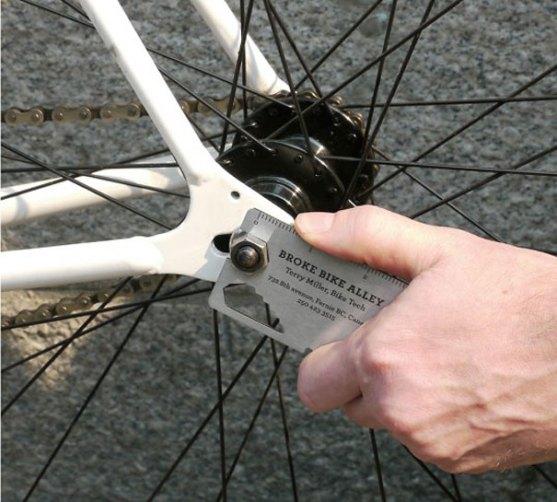 Contoh Desain Kartu Nama Kreatif - Kartu-Nama-Perangkat-Sepeda-Multi-Guna-2