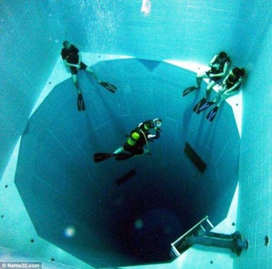 Foto Luar Biasa Yang Belum Pernah Anda Lihat - Gambar-Foto-Kolam-Renang-Terdalam-di-dunia-sedalam-345-meter-dengan-600-ribu-galon