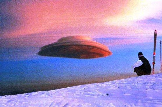 Foto Luar Biasa Yang Belum Pernah Anda Lihat - Gambar-Foto-awan-yang-berbentuk-UFO