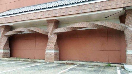 Foto Luar Biasa Yang Belum Pernah Anda Lihat - Gambar-Foto-sebuah-restaurant-dengan-desain-batu-bata-yang-berbentuk-spiral-secara-horisontal