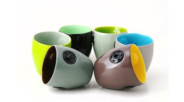 24 Contoh Mug Cangkir Desain Kreatif Original - Contoh Desain Mug Cangkir Kreatif Unik Original - Snap Cups 1 bergandengan nempel pake kancing