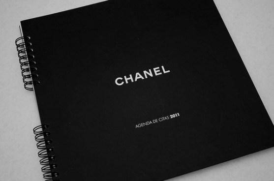 Contoh Buku Agenda Desain Cantik untuk Corporate - Muestars Apple