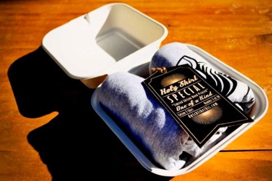 Desain Kemasan Packaging Kaos T Shirt Kreatif Bagus - Kemasan-T-Shirt-Catering-Kotak-Makan-Siang