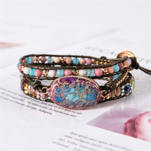 Bracelet Bohème Chic enroulé en cuir multicolore, avec pierres et perles naturelles