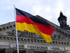 Merkel to discuss with state leaders on reopening situation this Wednesday