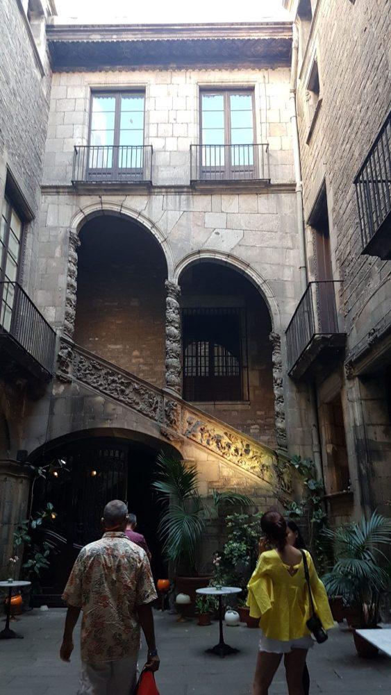 Le palais Dalmases.