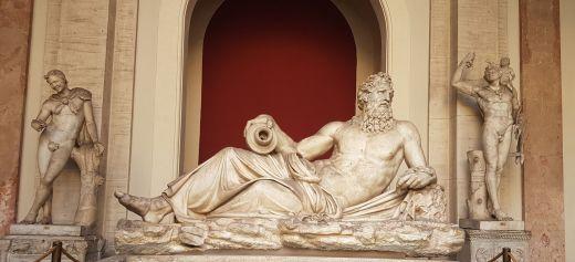 Statue antique de Zeus