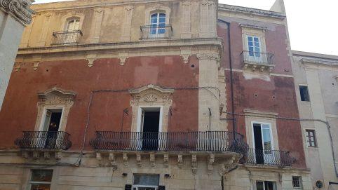 Palazzo Borgia...pas terrible de l'extérieur. Syracuse - Sicile 2020