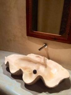 Giant clam shell as a sink