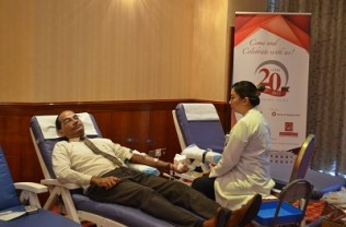 al-bustan-centre-and-residence-organizes-blood-donation-2-1