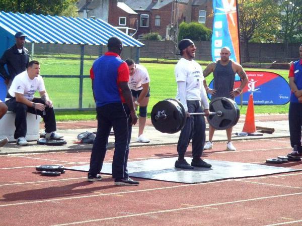 sandwell-strongman-2011-200k-deadlift