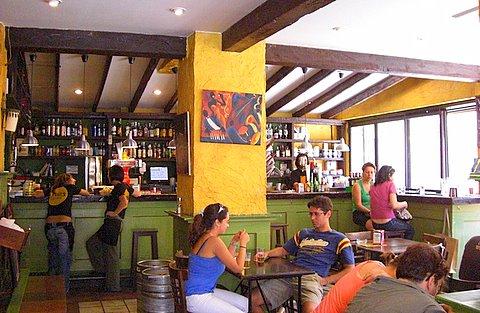 bar-levies-interior.jpg