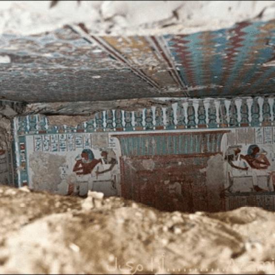 اكتشاف جدارية فرعونية4
