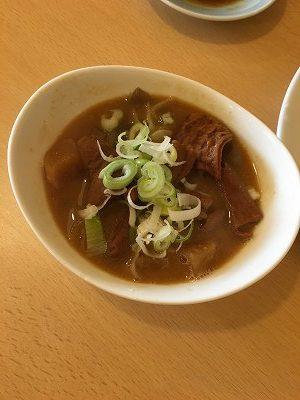 『麺's SHOP おぐら屋』 もつ煮