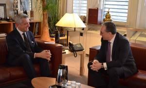 Զոհրաբ Մնացականյանի հանդիպել է ՄԱԿ Փախստականների հարցերով գերագույն հանձնակատարին