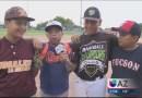 Niños mexicanos cruzan la frontera para jugar con un equipo de béisbol de Tucson