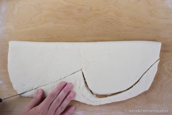 Aratási kenyér - gombaformát vágunk ki a kéve alapjának