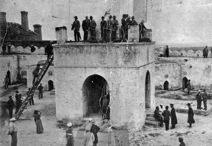 1890. Слева в кадре Кокоревский завод