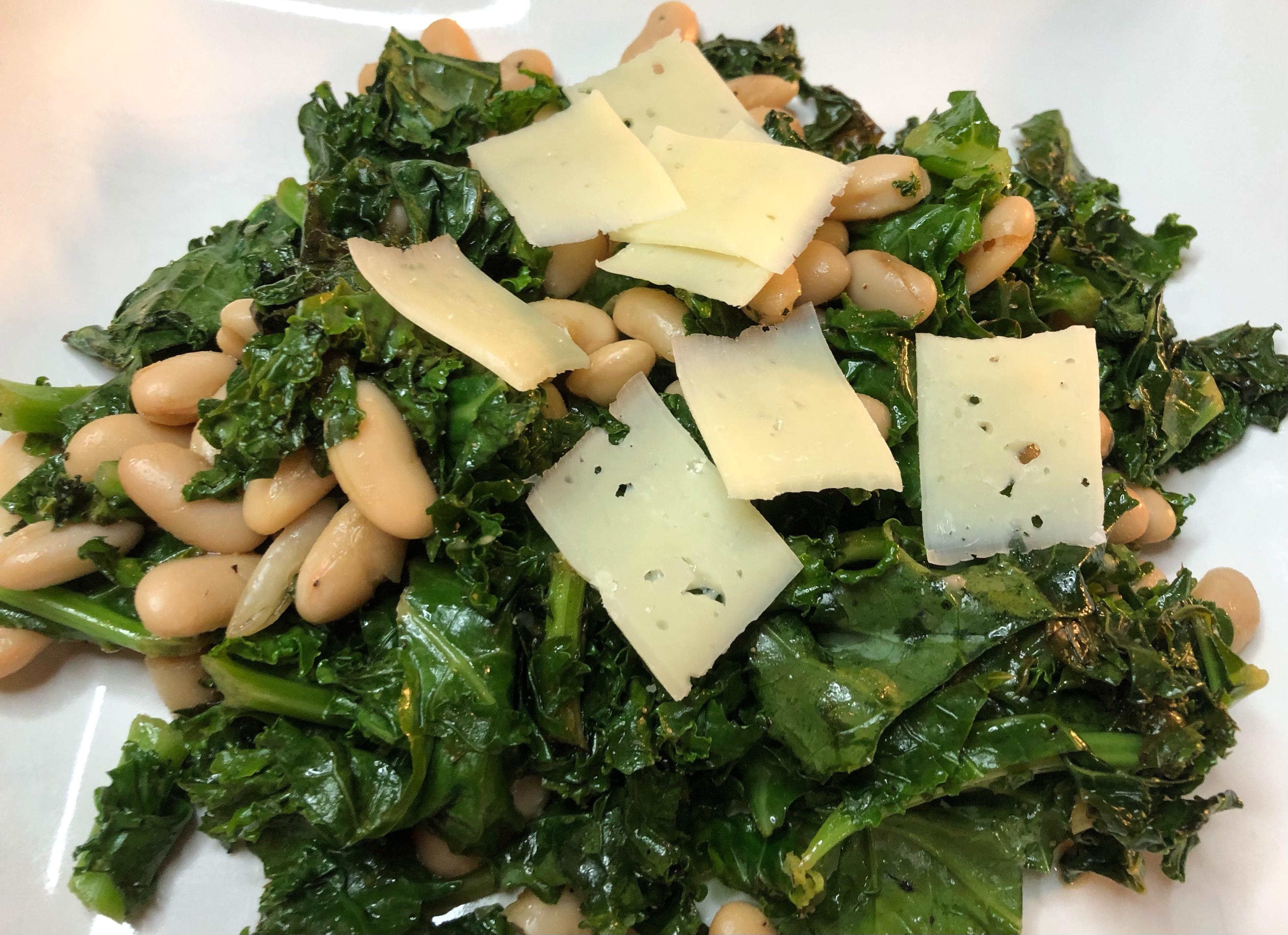 3 Ingredient Kale Bean Salad (Easy)