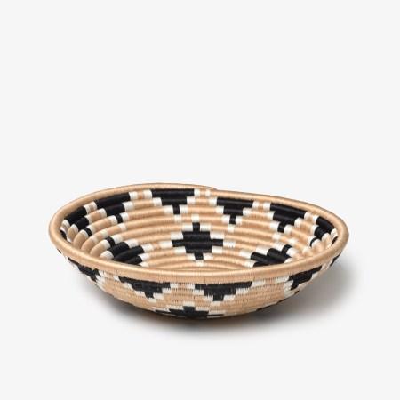 Akaneri-Bowl-Medium-Black---Side
