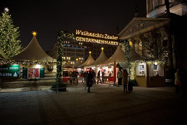 Weinachtszauber коледен базар в Берлин - Жендарменмаркт