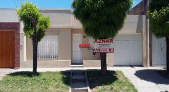 Casa en venta en calle Laprida