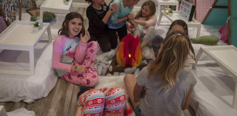 AZ Sleepy Teepee The Ultimate Sleepover Phoenix Kids Birthday Parties and Entertainment Scottsdale (98)