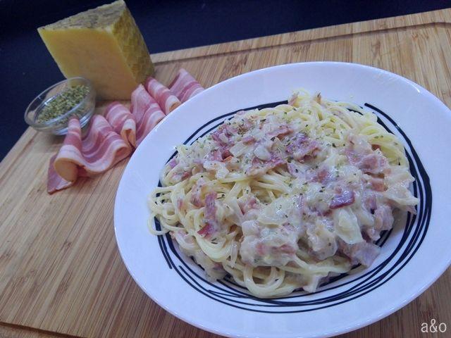 Espaguetis a la carbonara versión española.