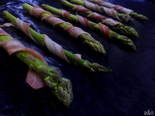 Espárragos con bacon