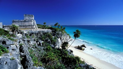 Tulum-Mayan-archaeological-site-near-cancun-Mexico-