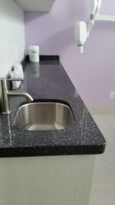 simple-countertops-for-a-simple-family-home-azul-toronto