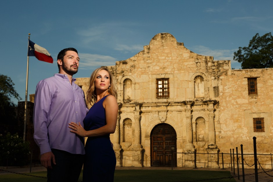 Julie & Garrett: San Antonio Riverwalk Engagement