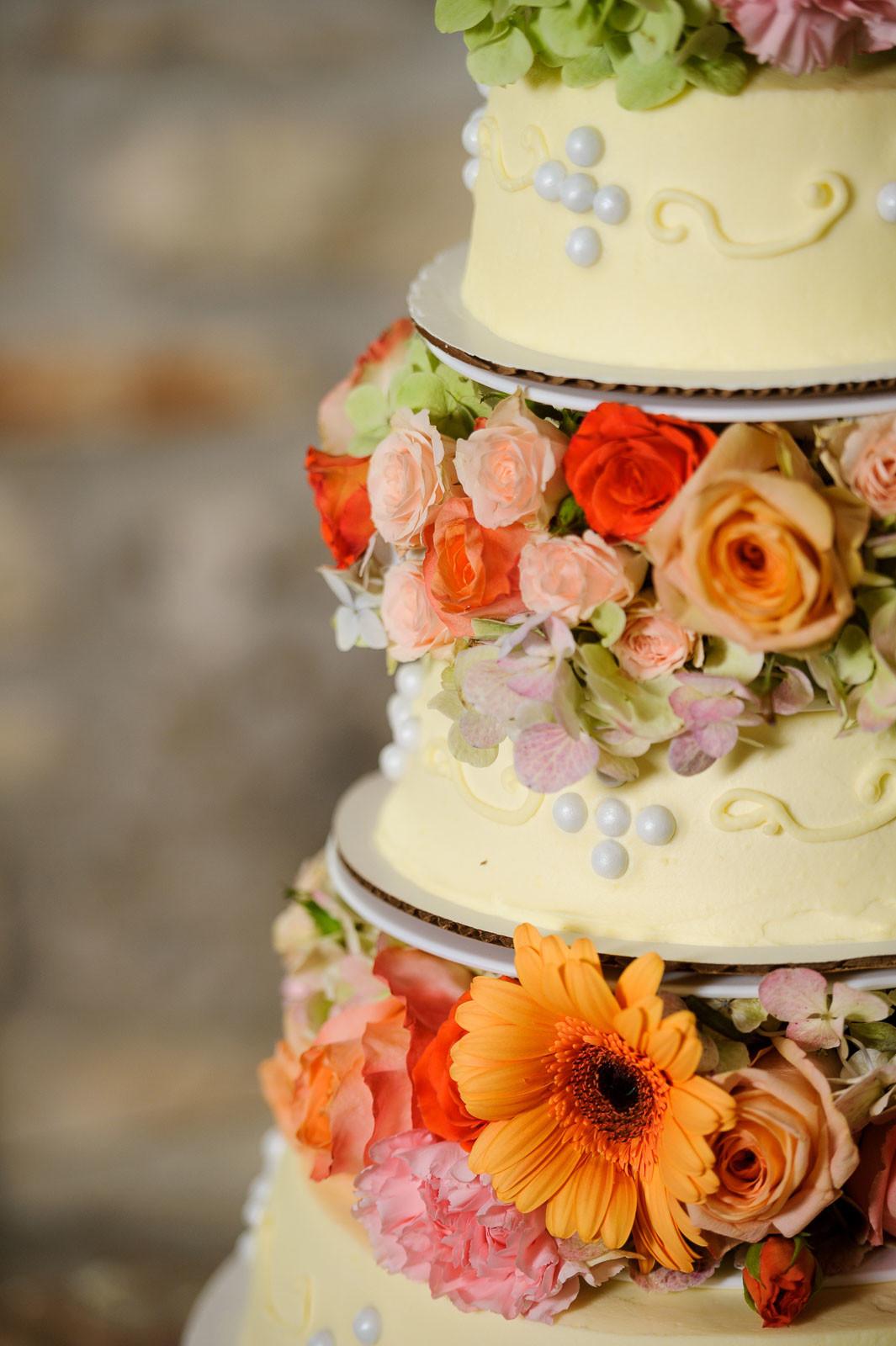 Featured Wedding Cakes - DIY Wedding Cakes - Cake Highlights - Austin Wedding Photographers -Nancy and Jaime Wedding