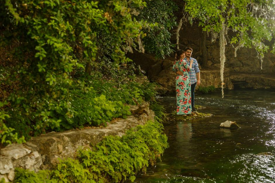 Austin and Meghan Landa Park Engagement Photos near Comal Spring