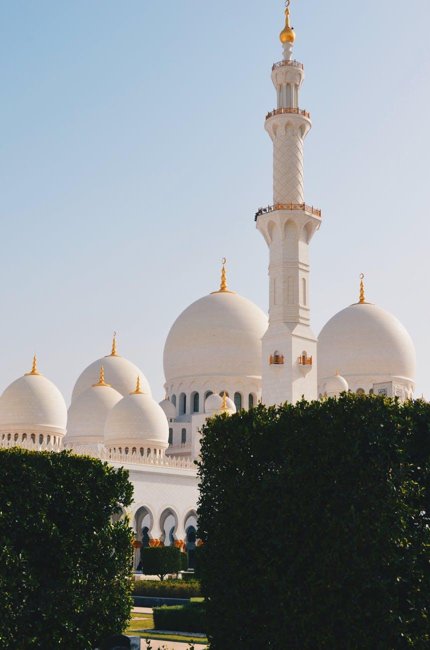 photo of masjid during daytime