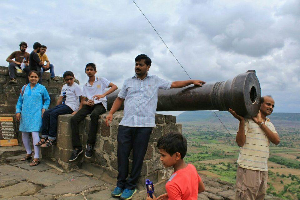 81 daulatabad fort - aurangabad - maharashtra - india - azure sky follows