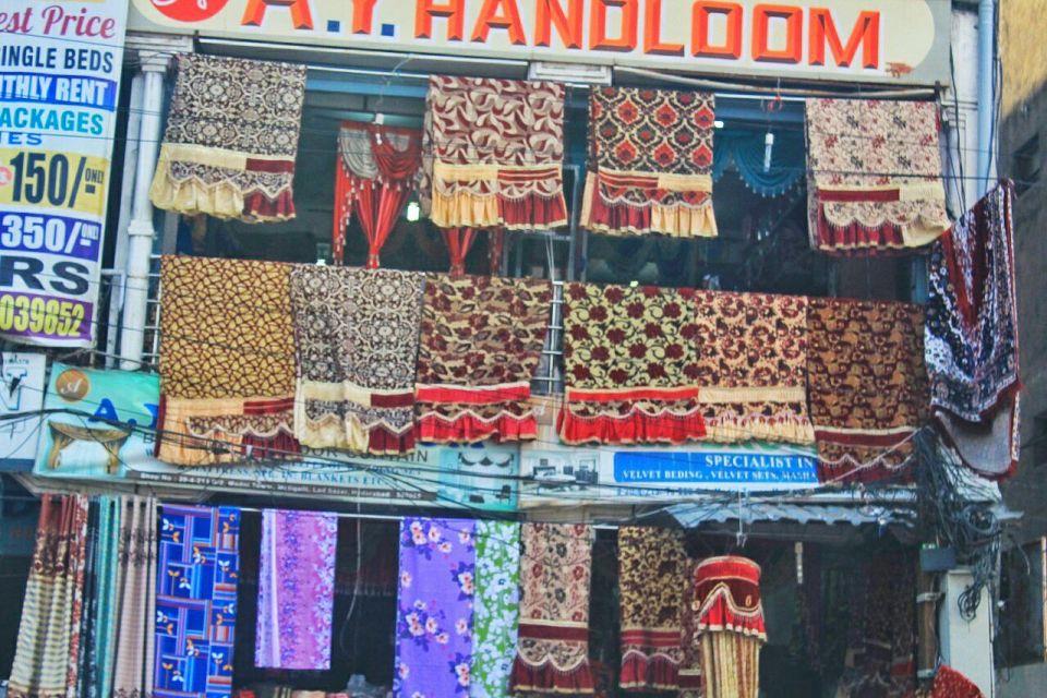 1 Hyderabad - Laad Bazar - Pathhargatti - Markets - Karnataka - India - Azure Sky Follows - Tania